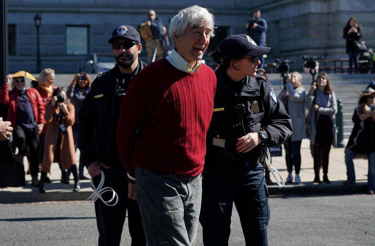 Climat : un acteur de «New York Police judiciaire» et Jane Fonda arrêtés à Washington