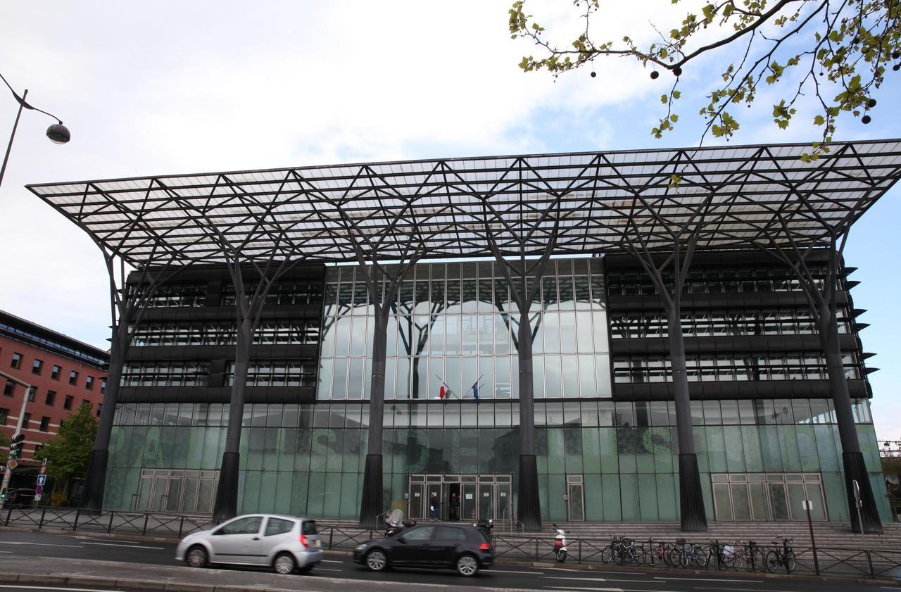 Melun : « C'était un accident » raconte le père jugé pour la mort de son bébé - Le Parisien