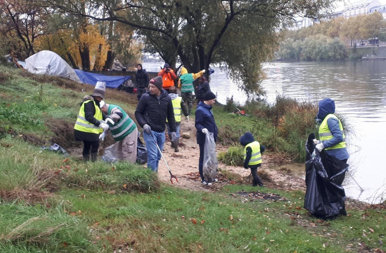 Ivry-sur-Seine : en une matinée, ils font le propre sur les quais - Le Parisien