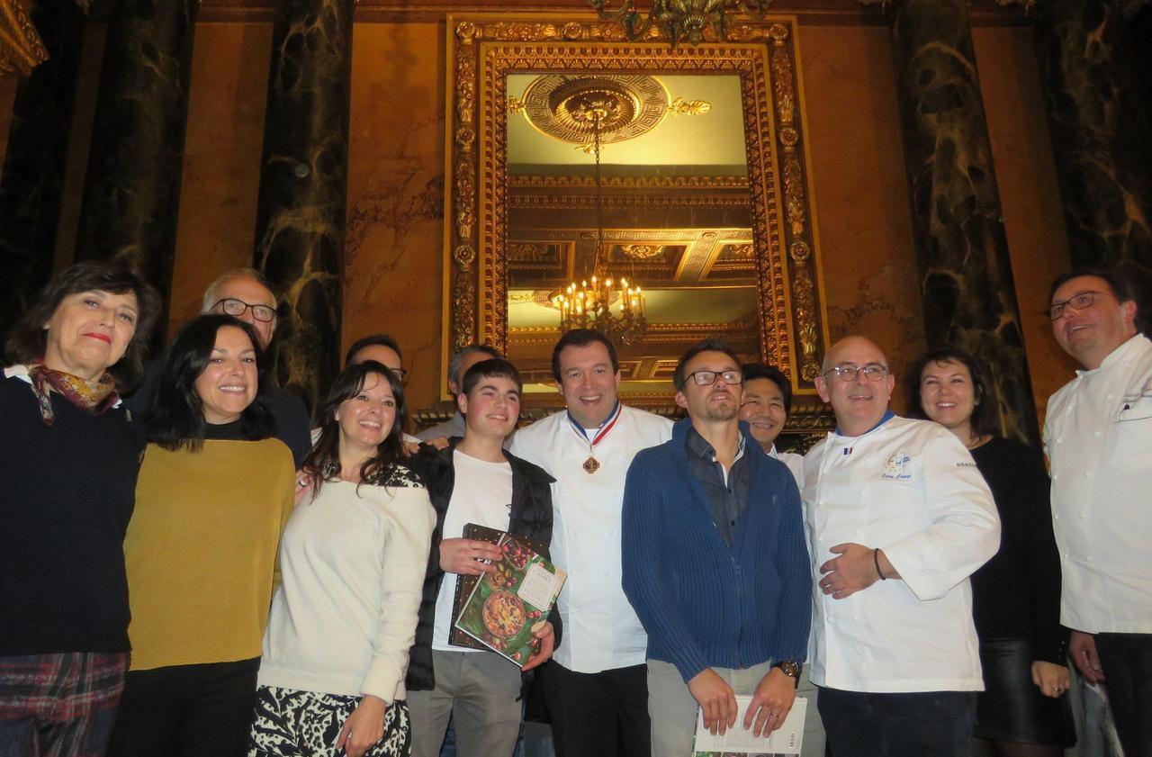 A Fontainebleau, le chef de l'Elysée encourage les pâtissiers amateurs - Le Parisien