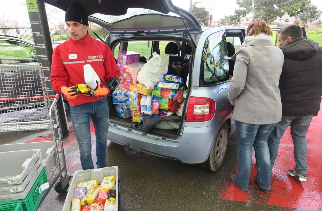 Coronavirus : les drives des supermarchés pris d'assaut dans l'Oise