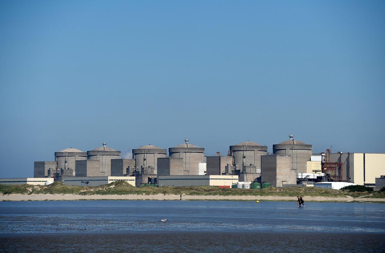A Gravelines, une digue géante pour protéger la centrale nucléaire des inondations