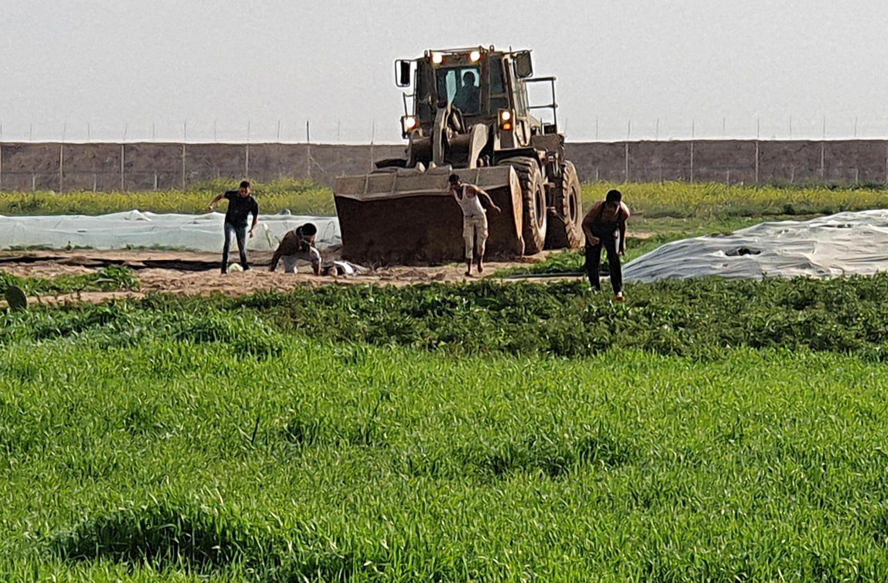 Israël-Gaza : un Palestinien tué à la frontière, son corps ramassé par une pelleteuse