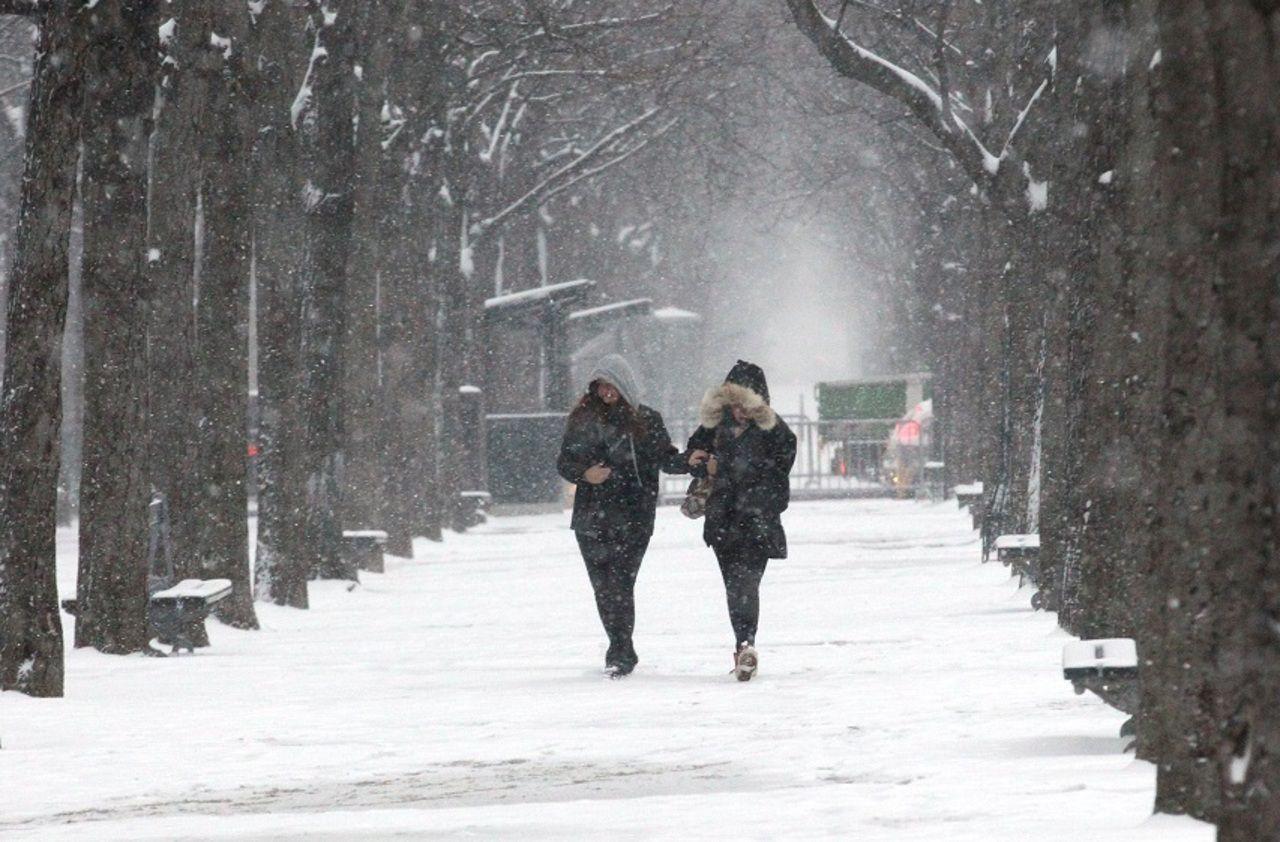Météo : 11 départements en vigilance orange pour neige, orages, pluies ou vagues - Le Parisien